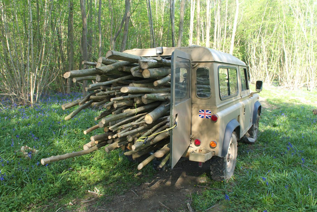 Land rover and logs SSCG